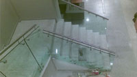 Glass safety railings self-supporting